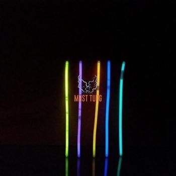 Light sticks in the dark 75pcs e. 5 boxes