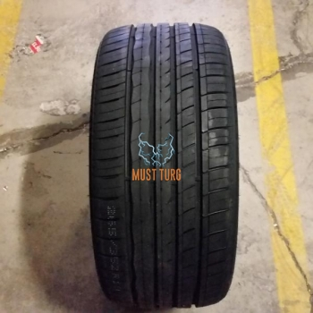 245/45R19 102W XL RoadX RXmotion U11 Run Flat