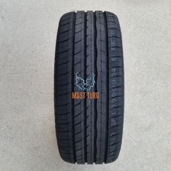215/55R17 94W RoadX RXmotion U11
