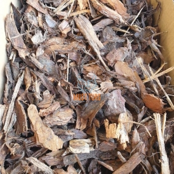 Mulch with pine bark and wood chip pieces fraction 30–50mm 50L
