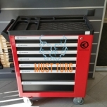 Tool trolley with tools